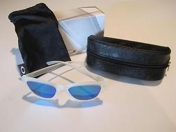 New Oakley Moonlighter Sunglasses Frost Sapphire Iridium OO9